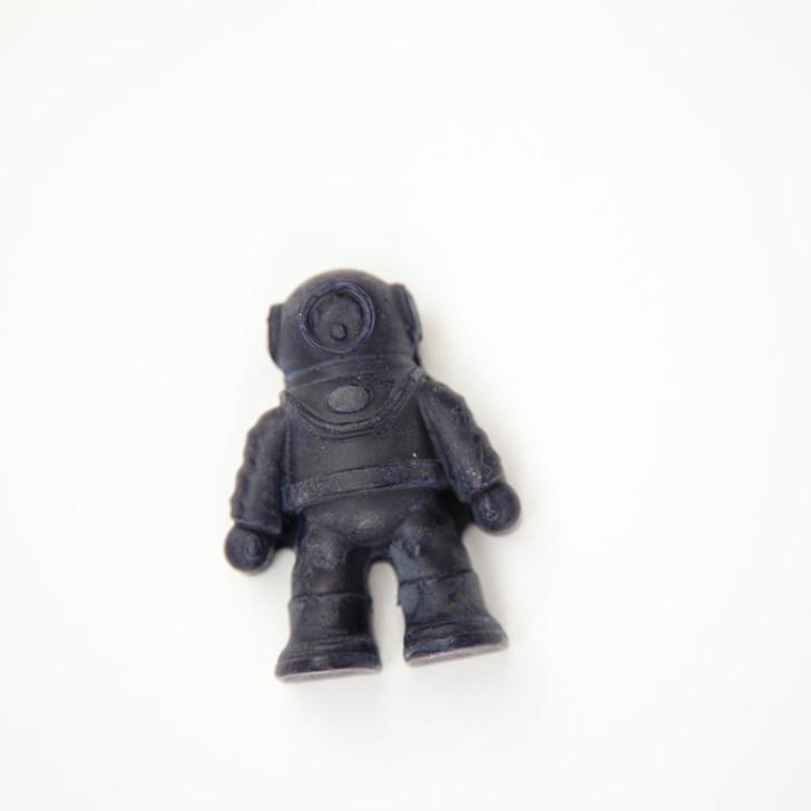beeswax-crayon--04--lindsay-morris