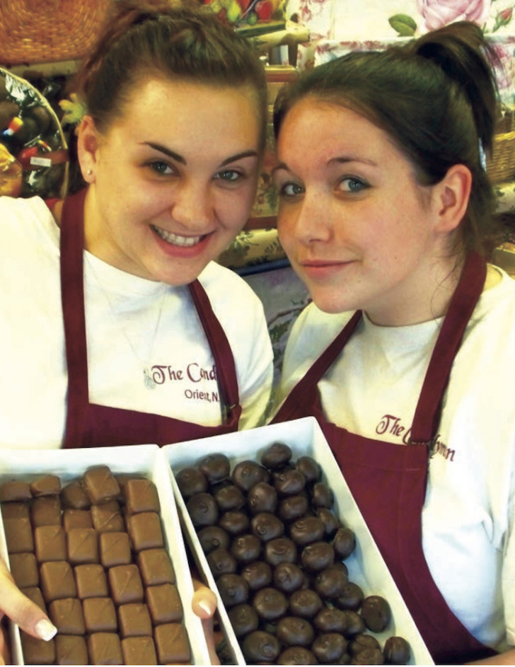 Being enticed with bonbons at the Candyman in Orient.