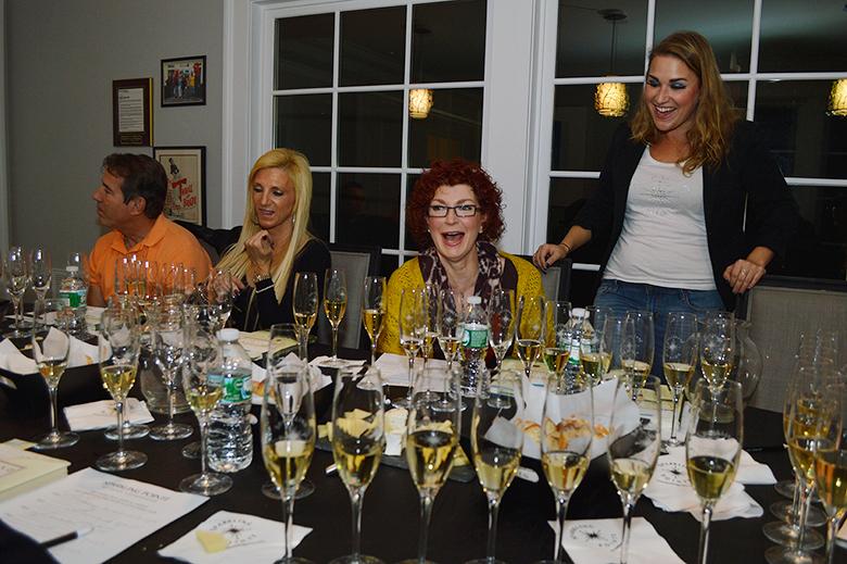 Sparkling Point wine tasting L-R Steve Bragoli, Diane Bragoli, Debbie Bottiglieri and Kelsey Cheslock