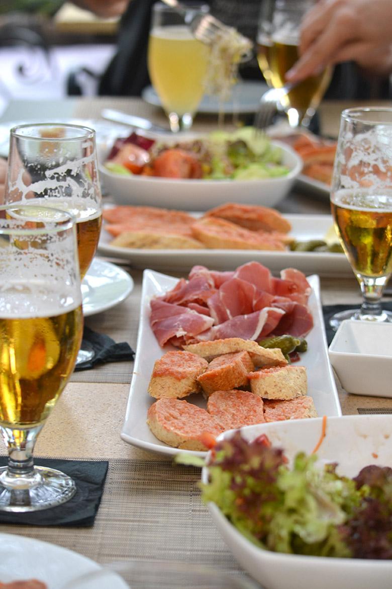 catalan picnic 04 joan bernstein